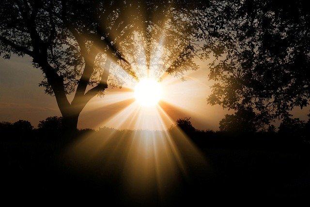 rechargement pierre naturelle par le soleil